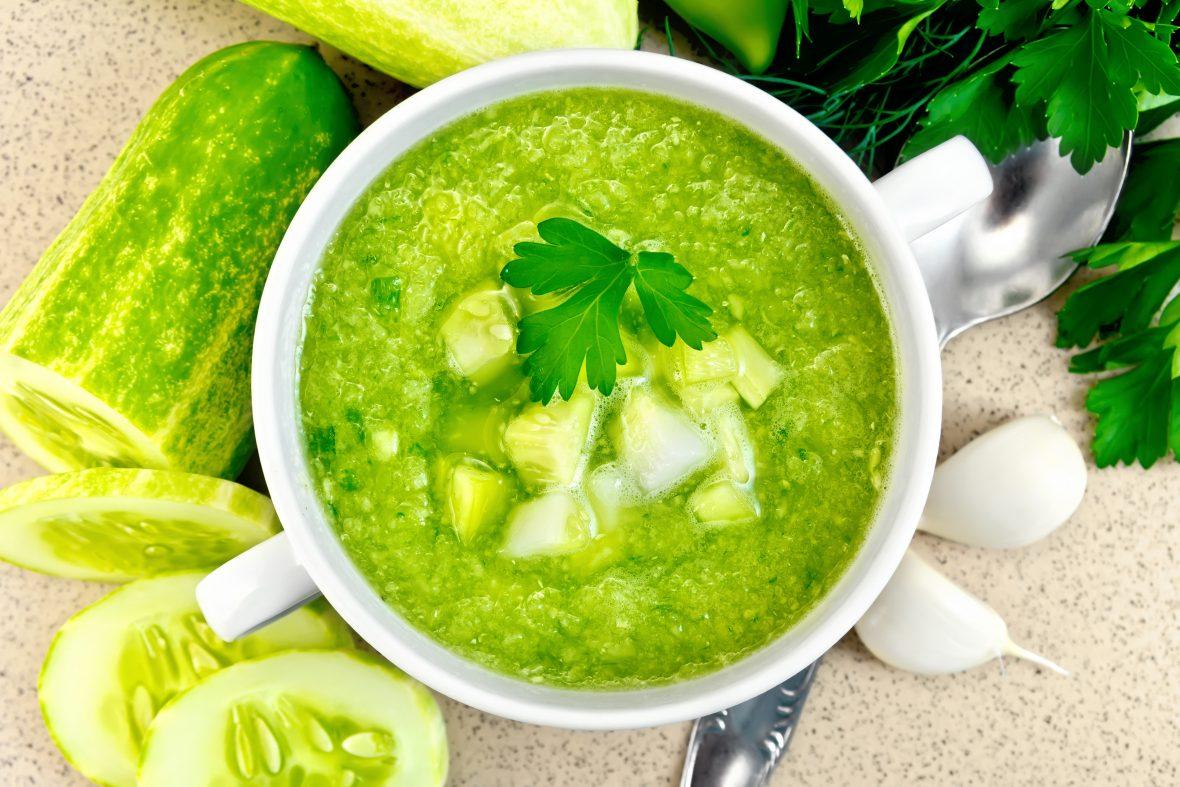 Supă cu avocado și castraveți