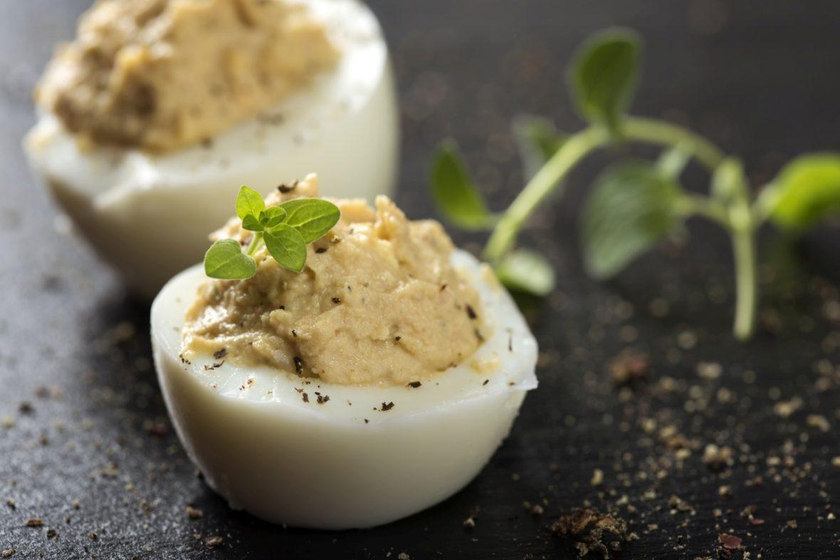 """Masa de Paști """"înCerc"""": Ouă umplute"""